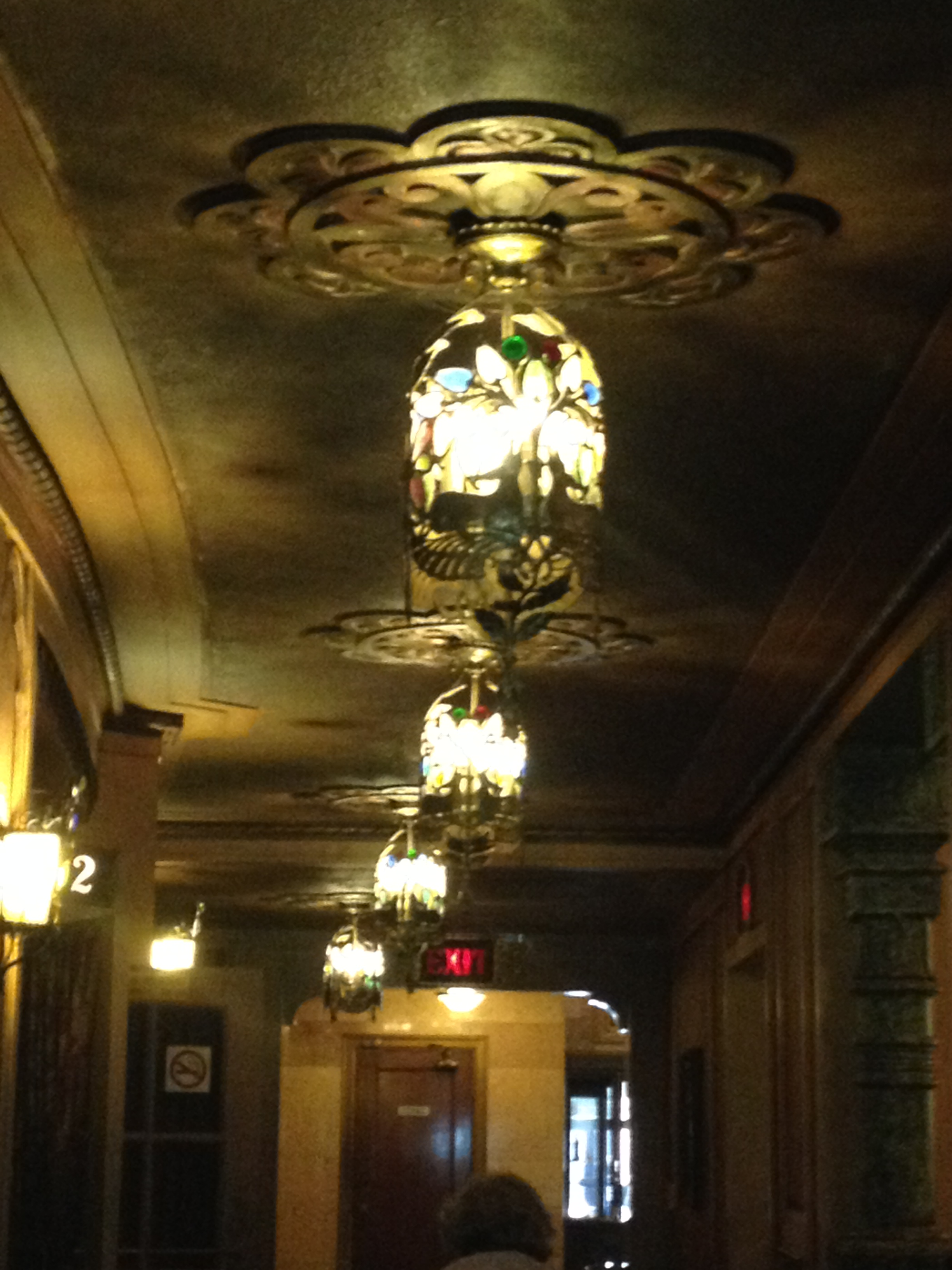Image of the antique lighting at the Alabama Theatre